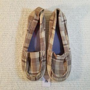 Airwalk boat shoes